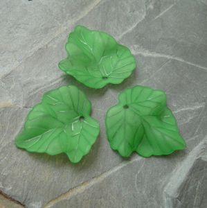 Akrylový lístek 24x23 mm - zelený
