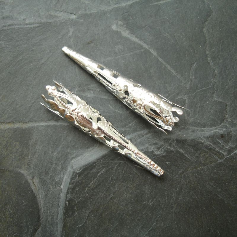 Dlouhý filigránový kaplík 41x8 mm - stříbrný