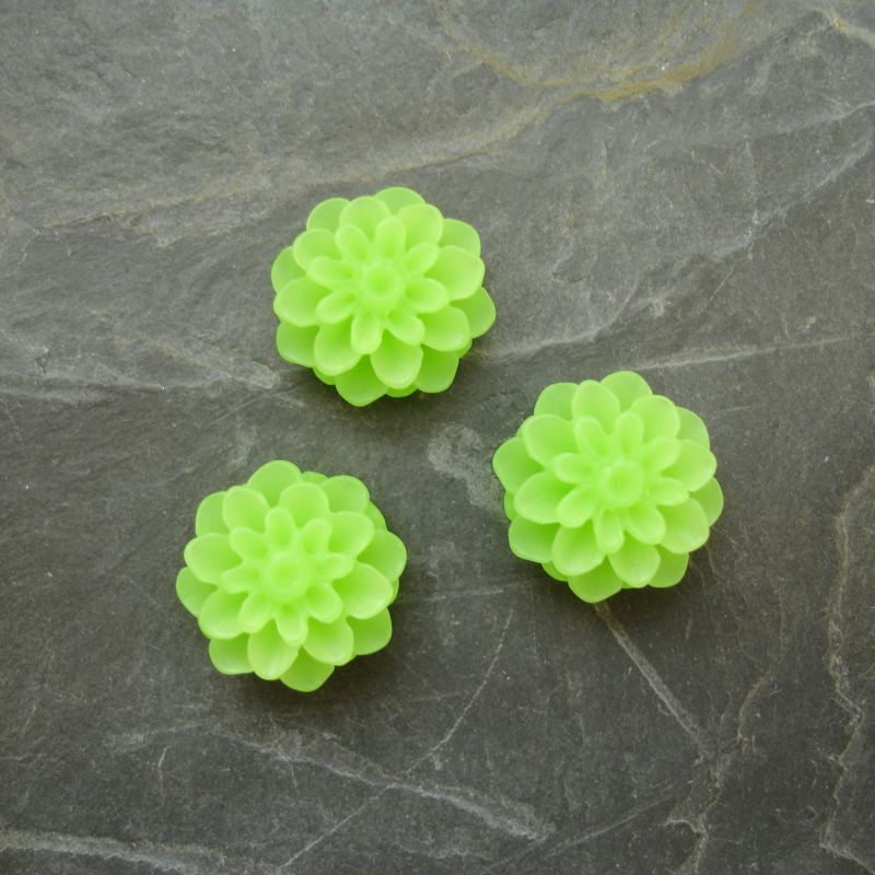 Kabošon chryzantéma 15mm - sv. zelená