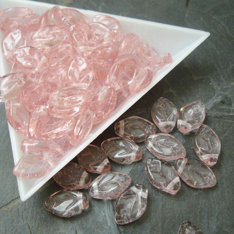 Mačkané korálky lístečky 12x7mm - růžové