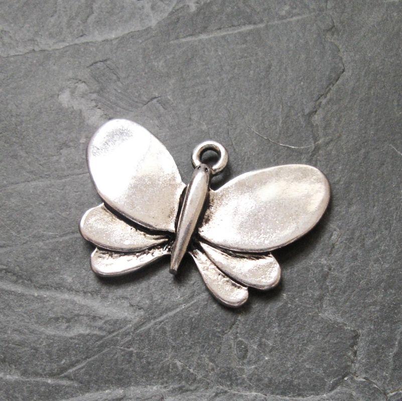 Přívěsek motýl 28x19mm - starostříbrný