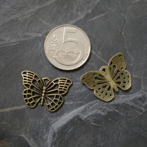 Přívěsek motýlek 25x18mm - starobronzový