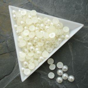Plastové půlperle cca 6mm - krémové