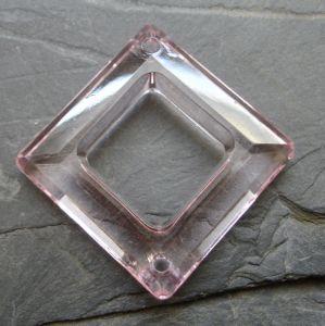 Plastový kosočtverec 29x29mm - růžový sv.