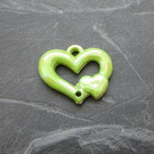 Plastové srdíčko 25x20mm - sv. zelené