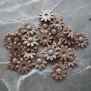 Přívěsek kytička 12x14mm - staroměděný