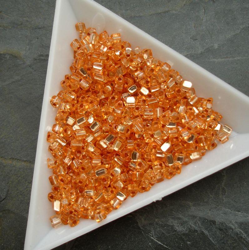 Rokajl oranžový - trojúhelníčky - cca 2,5x2,8mm - 10g