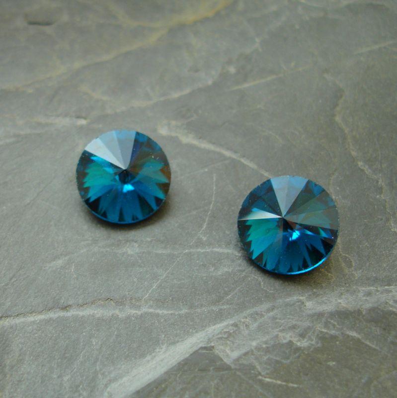 Skleněný broušený kamínek rivoli 14mm - modrozelený