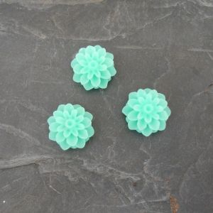 Kabošon kytička 15mm - zelená mentolová