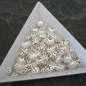 Kaplík kytička 6 mm - stříbrný