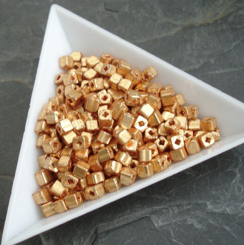 okajl kostičky cca 3-3,3mm - oranžové - 10 g