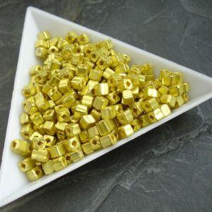 Rokajl kostičky cca 3-3,3mm - žluté -10 g