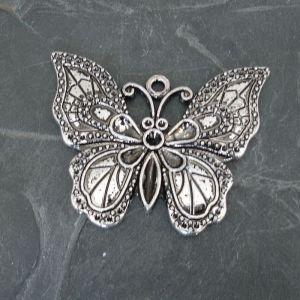 Přívěsek motýl 51x40 mm - starostříbrný