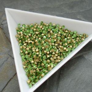 Skleněné šatony cca 2,9 - 3,0 mm - sv. zelené