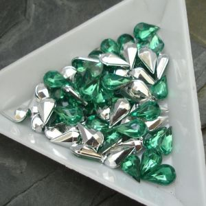 Kamínek akrylová kapka 5x8mm - zelená tm.