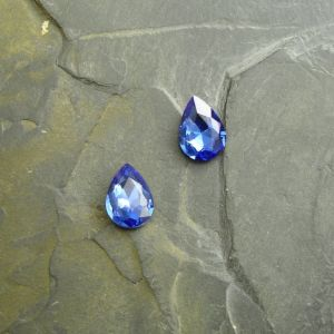 Skleněný broušený kabošon 10x14mm - modrý