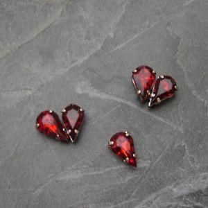 Akrylové kamínky 10x6mm v kotlíku - tm. červené