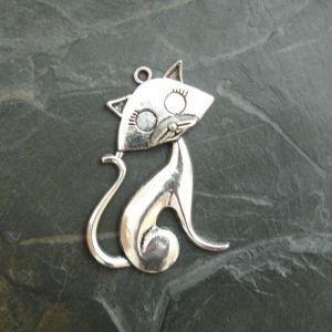 Přívěsek kočka 30x46 mm - starostříbrná