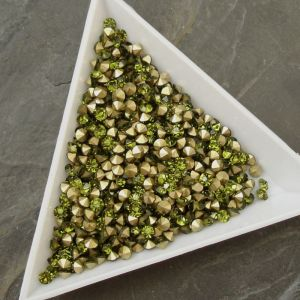 Skleněné šatony cca 2,9 - 3,0 mm - zelené