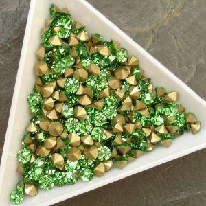 Skleněné šatony cca 4,0 - 4,2 mm - sv. zelené
