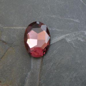 Skleněný broušený kabošon ovál 25 mm - fialovorůžový