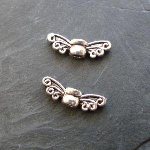 Malá andělská křídla 14x4,5x3,5mm - starostříbrná