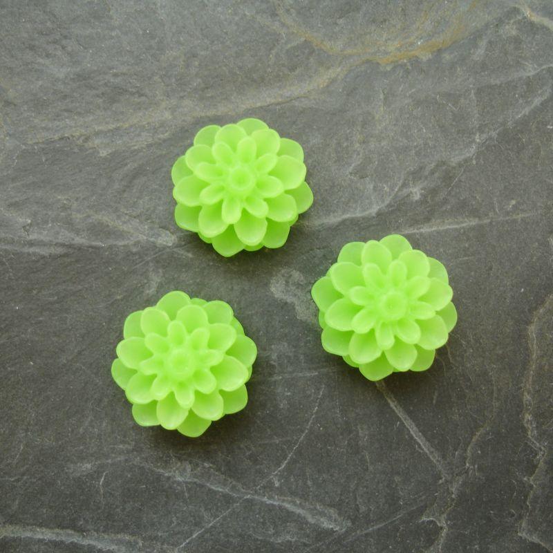 Kabošon chryzantéma 15mm - sv. zelená - 2 ks