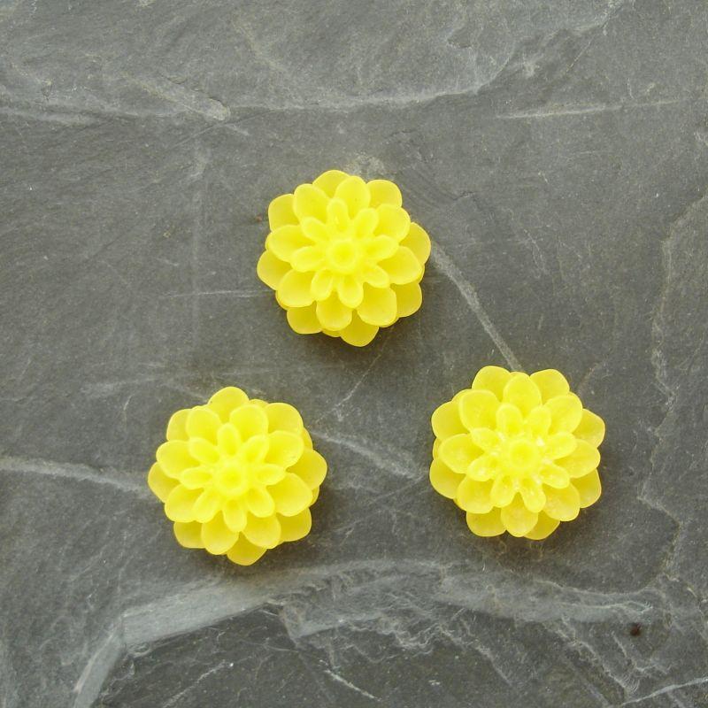Kabošon chryzantéma 15mm - tm. žlutá