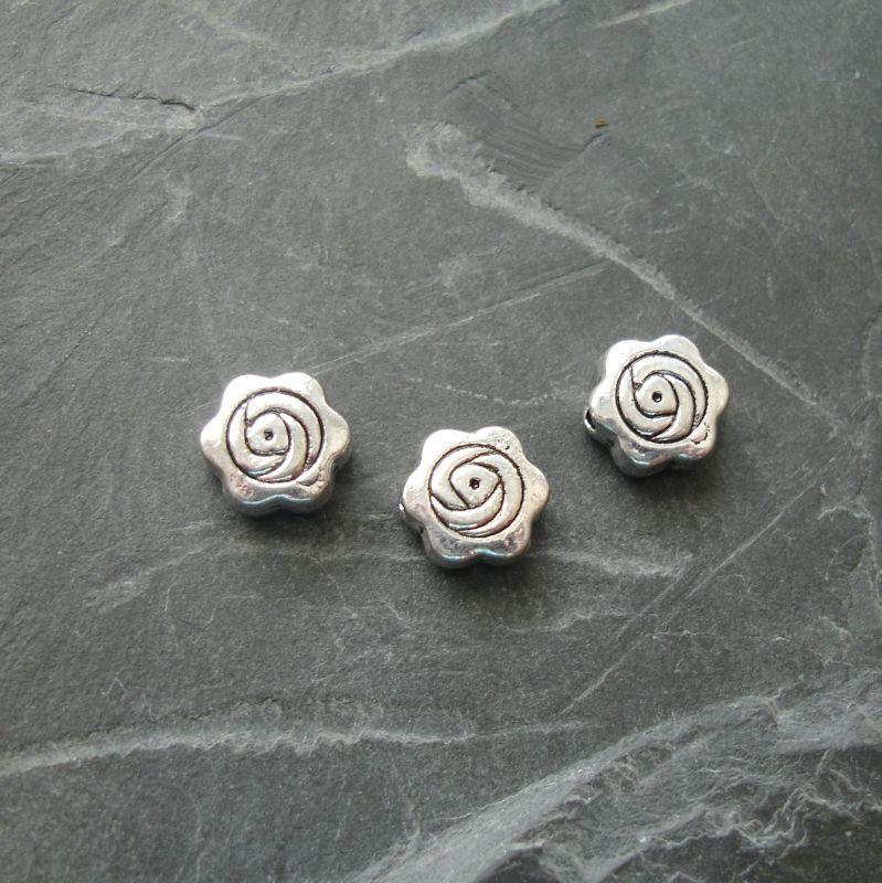 Kovové korálky růže 7mm - starostříbrné