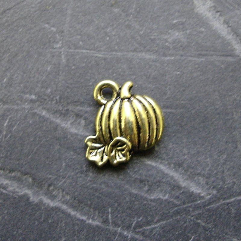 Přívěsek maličká dýně 10mm - starobronzový - 1 ks
