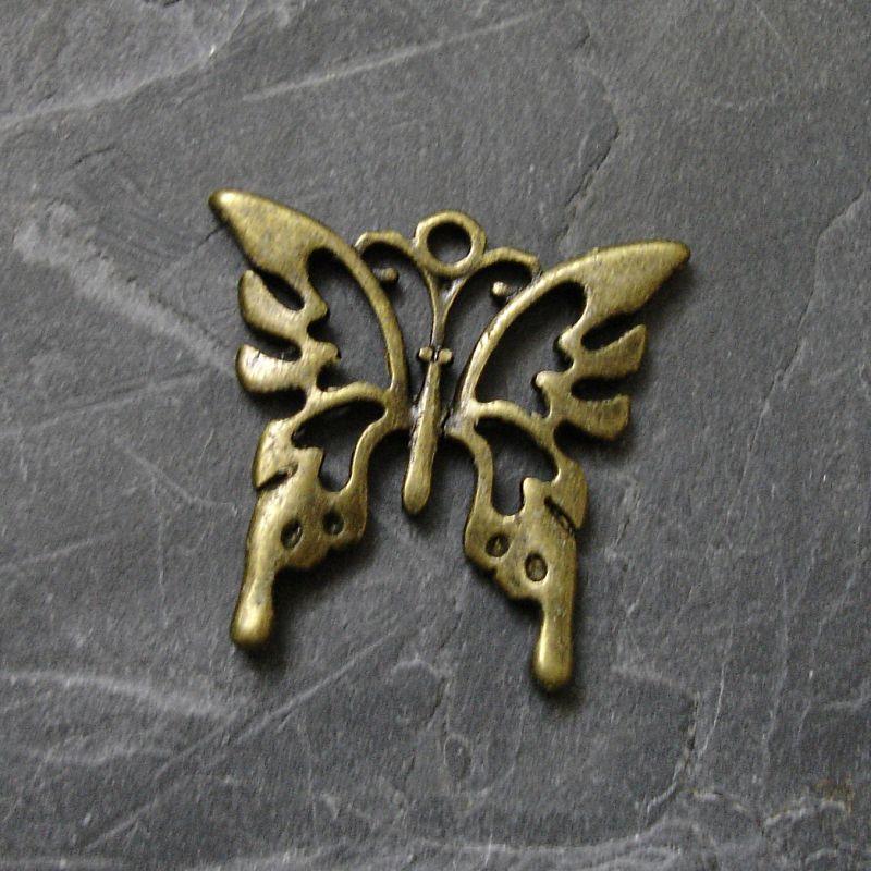 Přívěsek motýlek 26x24mm - starobronzový