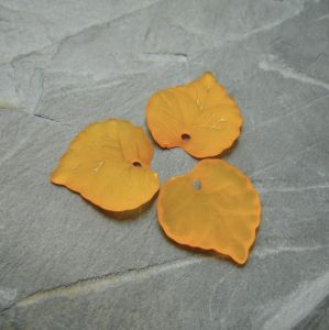 Akrylový lísteček 14xx14 mm - oranžový - 10 ks