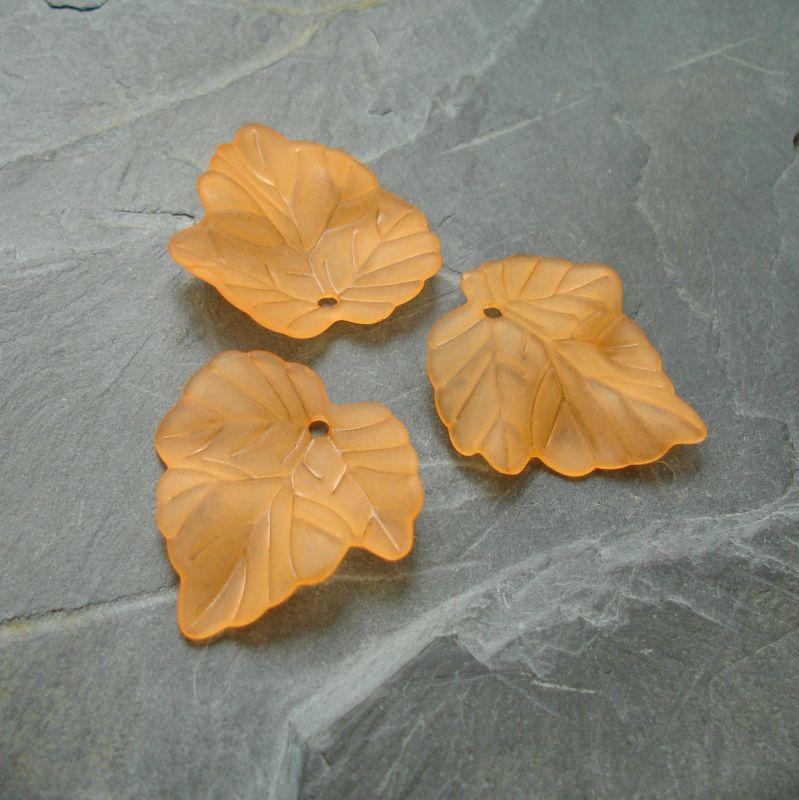 Akrylový lístek 24x22,5 mm - oranžový - 3 ks