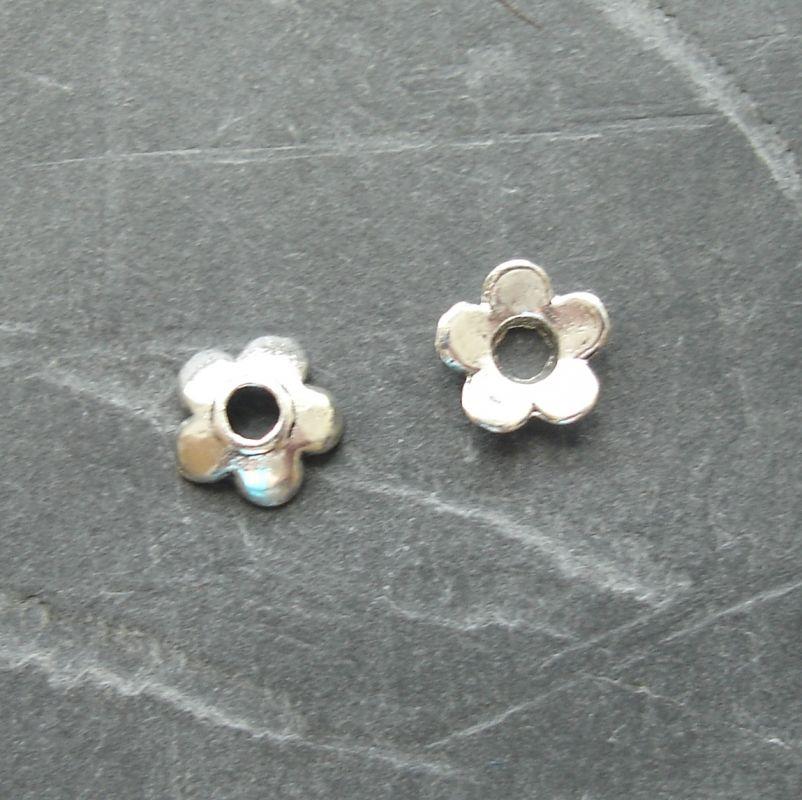 Kaplík kytička 6,5 mm - starostříbrný - 20 ks
