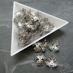 Kaplík lístky 17 mm - platinový - 10 ks