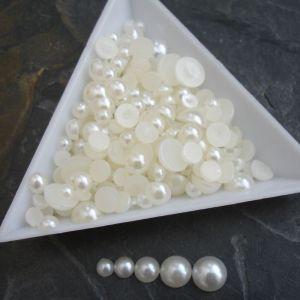 Plastové půlperle cca 4-8mm - krémové