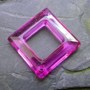 Plastový kosočtverec 29x29mm - fialový