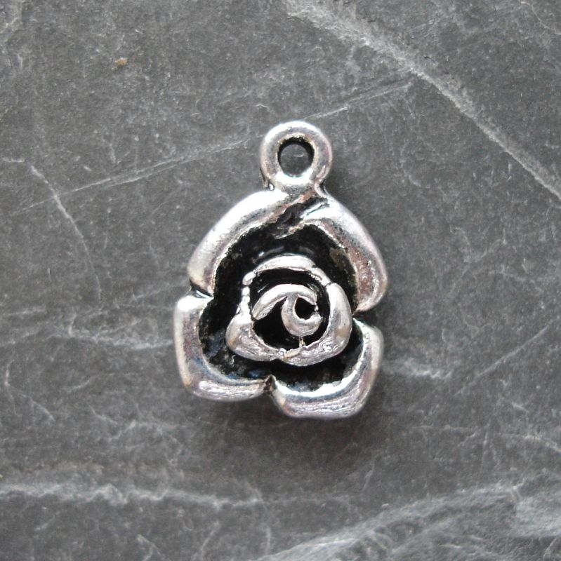 Přívěsek květ růže 13x17mm - starostříbrná - 1 ks