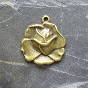 Přívěsek květ růže 23x26mm - starobronzová - 1 ks