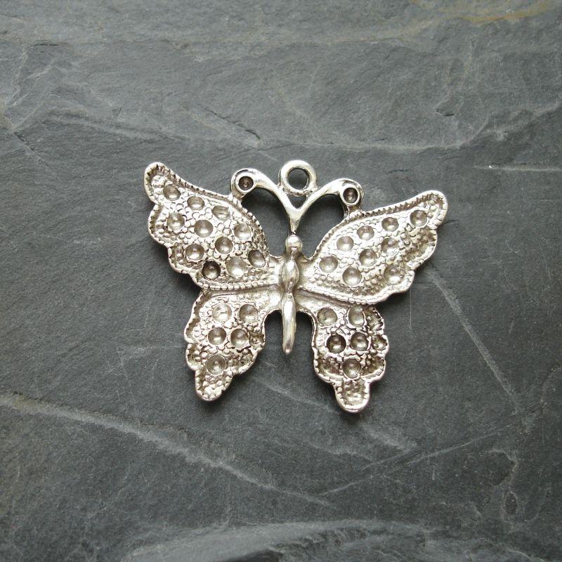 Přívěsek motýl 34x27 mm - starostříbrný