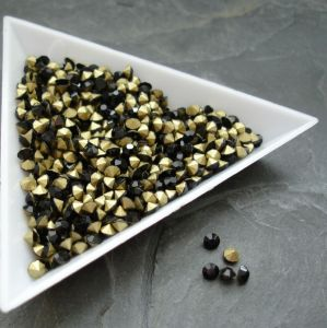 Skleněné šatony cca 2,7 - 2,8  mm - černé