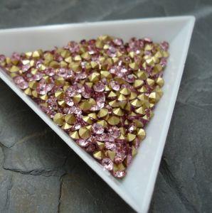 Skleněné šatony cca 3,0 - 3,2 mm - sv. růžové - 50 ks