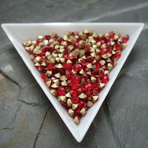 Skleněné šatony cca 3,3 - 3,4 mm - červené