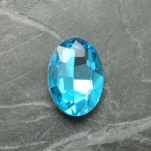 Skleněný broušený kamínek ovál 18 mm - azurový - 1 ks