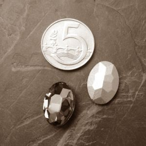 Skleněný broušený kamínek ovál 18 mm - žlutý