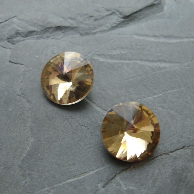 Skleněný broušený kamínek rivoli 14mm - žlutohnědý