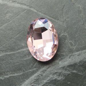 Skleněný broušený kamínek ovál 18 mm - růžový