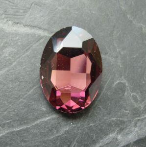 Skleněný broušený kamínek ovál 18 mm - růžovofialový - 1 ks