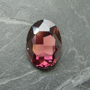 Skleněný broušený kamínek ovál 18 mm - růžovofialový
