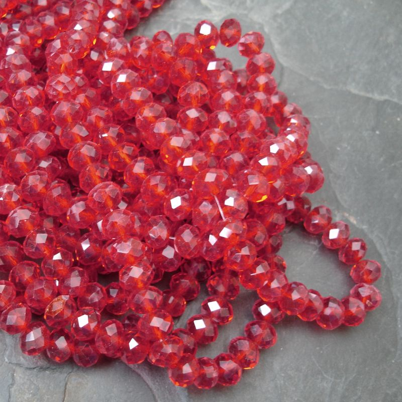 Broušené korálky cca 8x6mm - červené - 10 ks